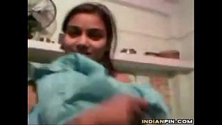 Indian Teen Girl Teasing Her Naked Body